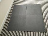 4-piece Interlocking Floor Mat
