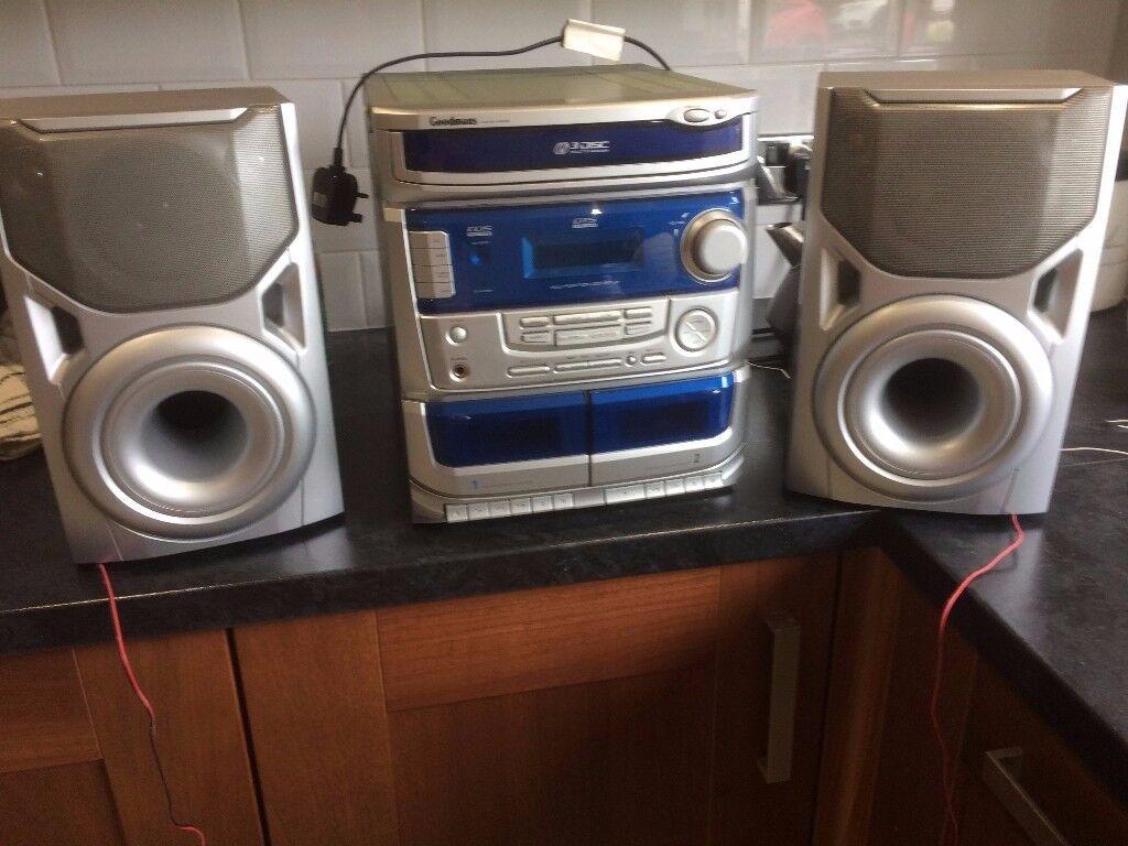 Hi Fi-Goodmans Midi Hi Fi 3 disc changer, twin cassette decks and radio with 2 speakers