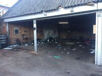 Garage 10m/8m for storage weekly rent £200