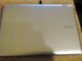 Acer E3-112 11.6 inch screen