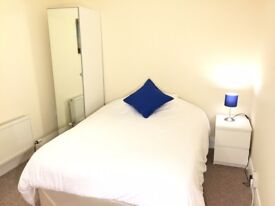 Beautiful room in huge shared house in excellent location near Salford Quays, Salford, M602