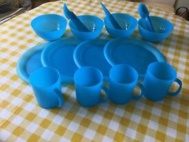 4place picnic set in Carry bag.Sturdy and dishwasher safe.