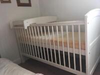 Hayworth cot, changer, mattress by Mama and Papas