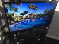 43in LG Led Hdmi Usb 1080p Tv With Remote Base Legs Box