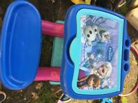 Frozen toddler desk