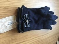 Ladies accessorize navy gloves S/M - with tags