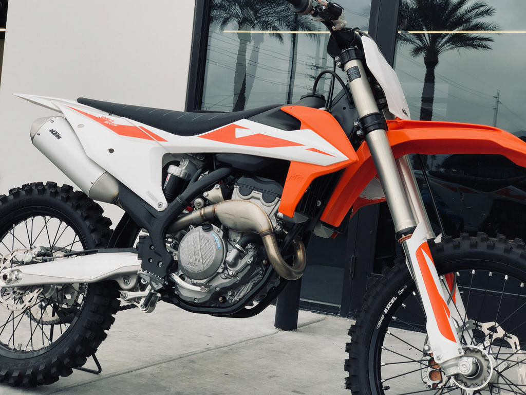 Picture of A 2019 KTM 250 SX-F