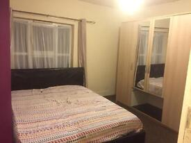 Nice and clean double room available for rent all bills included.