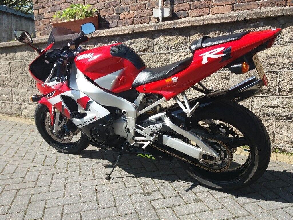 Yamaha yzf R1 2000 Red