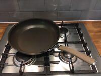 Circulon 12in skillet frying pan (new)