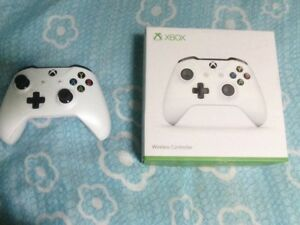 Xbox One Controller (Like New, In Box)