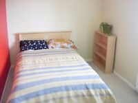Room to rent in central flat