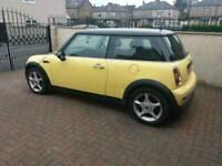 2003 mini cooperruns & drives well service history mot cheap car £750!!!!