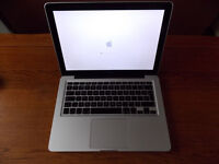 Mac Book Pro 13in (mid 2009)- Intel core2duo,6gb Ram,500gb HDD,Superdrive,Airport