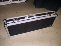 GUITAR FLIGHT CASE IN GOOD CONDITION