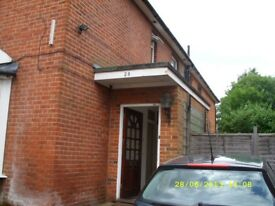 Students! - 5 Bed House just off The Avenue. No Fees & Low Deposit!