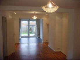 No agency fee. Lovely 3 Bed detached house for rent. Modern kitchen & Bathroom. Spacious & Light.