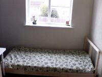 single furnished room with bed, table,cupboard £250.00 permonth with wifi all inclusive. bus 35