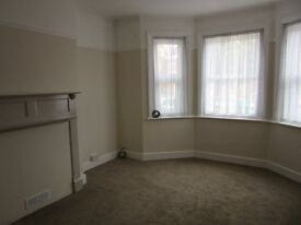 Beautiful 1 bedroom flat in Cheriton newly refurbished, great new kitchen, pretty courtyard garden