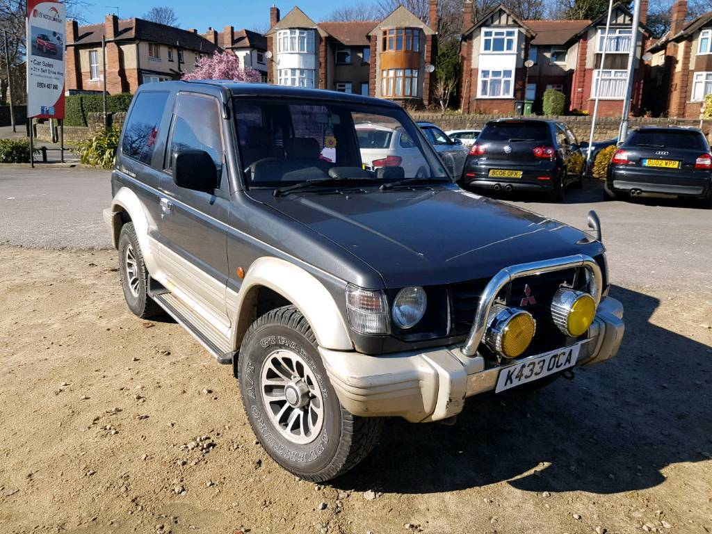 1993 mitsubishi pajero 2 5 td auto 3 door swb grey 4x4 import not shogun in dewsbury west. Black Bedroom Furniture Sets. Home Design Ideas