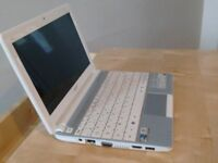 Laptop Acer Aspire One D270 Mini Laptop 10.1