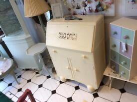Vintage shabby chic bureau