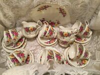 BEAUTIFUL 41pc VINTAGE QUEEN ANNE AUTUMN GLORY CHINA TEA SET -12 PLACE SETTING EXCELLENT CONDITION