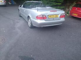 Mercedes clk 320 convertible perfect Working condition. Bargain