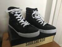 Soul Cal & Co Men's leather shoes, only worn once, minimal wear