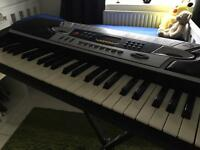 Electric Keyboard Gear 4 Music MK 2000