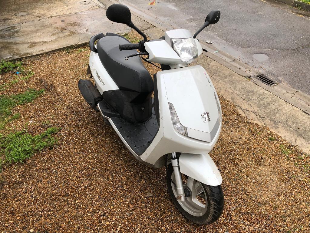 peugeot vivacity 50cc moped scooter vespa honda piaggio yamaha gilera in edmonton london. Black Bedroom Furniture Sets. Home Design Ideas