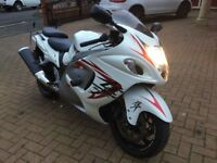 2008 58 Suzuki hayabusa gsx 1300 rk8 only 18k miles white with full baggage and rear seat,0 to 60mph