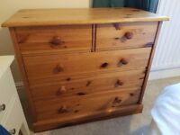 Chest of drawers (pine, compact)