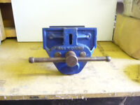 RECORD 52 WOODWORK VICE