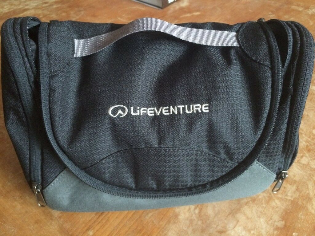 212985f45ac2 Lifeventure Travel Wash Bag   Toiletry Bag - Excellent condition