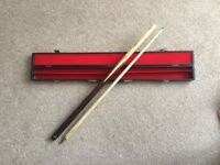 Riley Pool/Snooker Cue in its case.