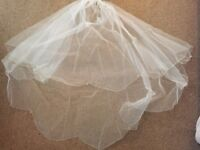 Mid-length wedding veil with Swarovski crystals