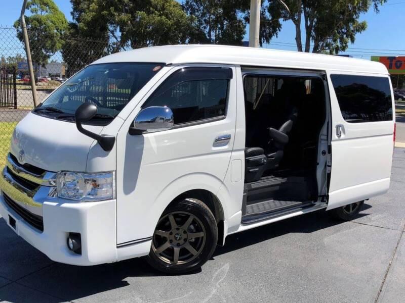 2017 Toyota Hiace 10 Seater Lwb Vip Luxury Gl Fine Tech Tourer