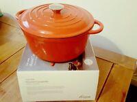 25.5 cm Round Cast iron casserole from House Frasser