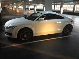Audi TT 3.2 ltr Quattro V 6 , 247BHP 4 wheel drive Rare Ibis White with Magma Red Leather