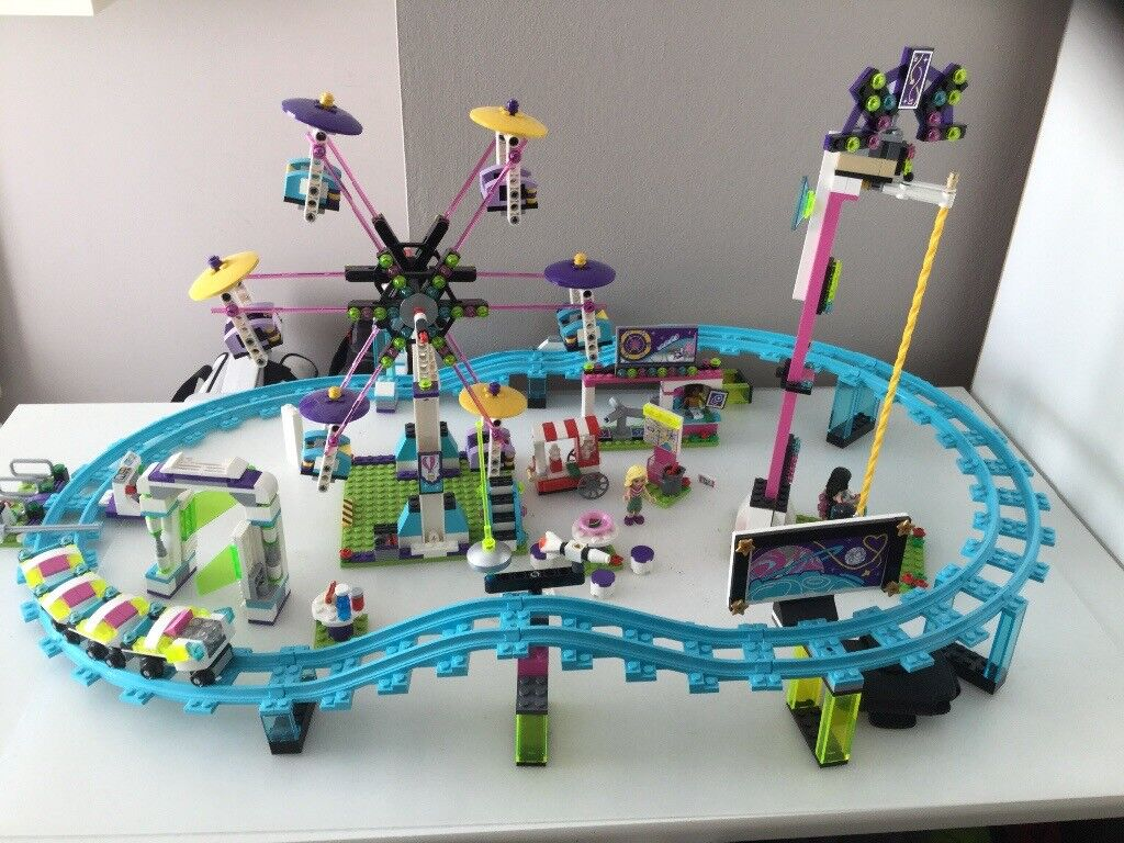 Lego Friends 41130 Rollercoaster And Fairground Set Boxed