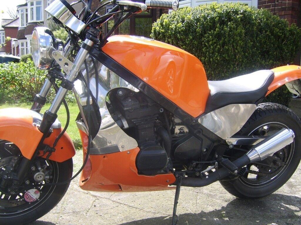 Kawasaki streetfighter Gpz 600r