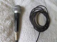 Shure PG48 microphone & lead