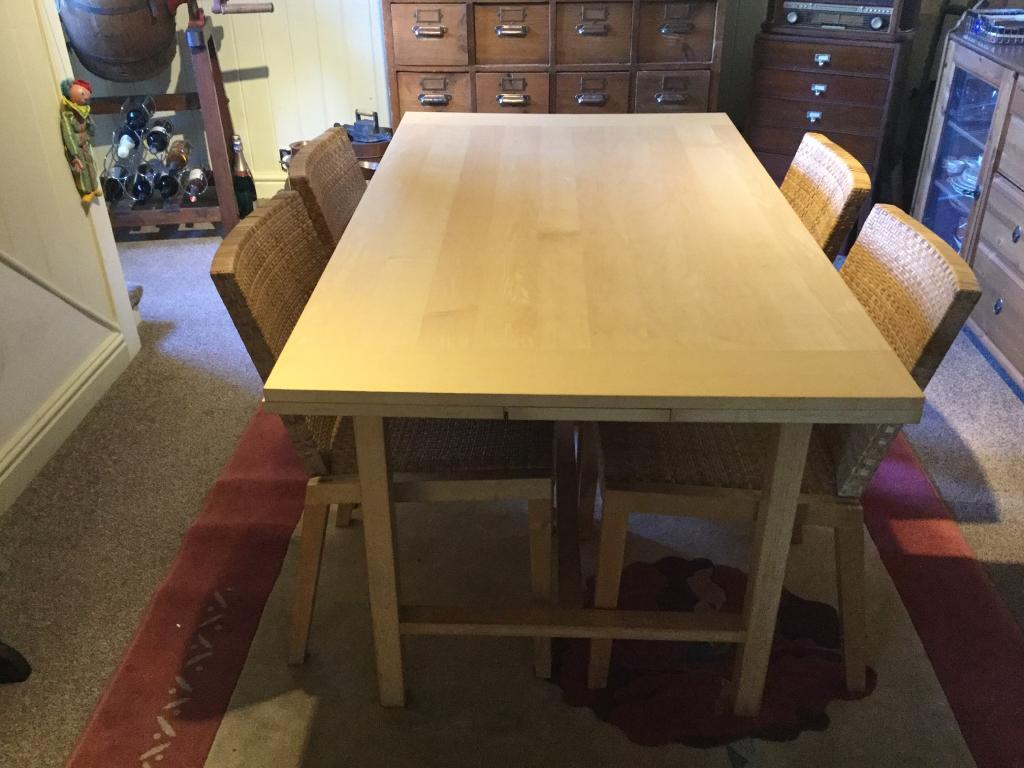 Habitat dining room table in tamworth staffordshire for Dining room tables on gumtree