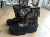 Kid's Snow Boots - size 2