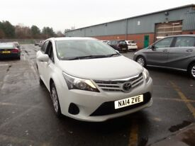 TOYOTA AVENSIS 2.0 D-4D Active 5dr (white) 2014