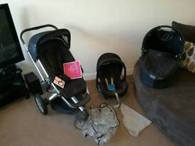 Quinny buzz travel system with manuals and lots of extras!