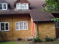 Lovely 2 bedroom garden flat in Hendon near West Hendon Playing Fields & local amenities