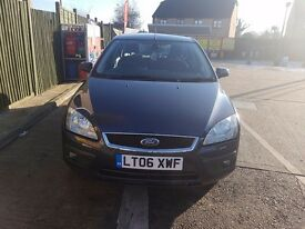 Reduced!! Automatic ford focus ghia VERY LOW MILAGE