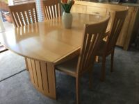 Dining Table and 4 chairs. Beech veneer.